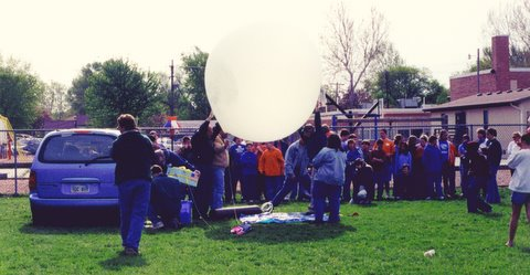 filling_balloons_in_front_of_kids-1